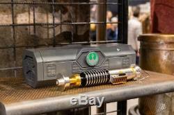 Disneyland Galaxy Edge Luke Skywalker Lightsaber + 31 blade & WISDOM TOKEN