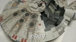 HUGE Millennium Falcon 31 x 24 Star Wars 2008 by Hasbro 6 figures