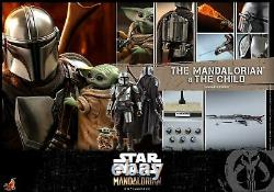 Hot Toys 1/6 scale Mandalorian and The Child Collectible Set TMS014