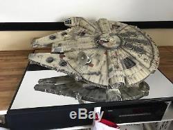 Master Replicas Millennium Falcon