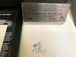 Obi Wan Kenobi Lightsaber AOTC Master Replicas Ltd 297/2500 MINT