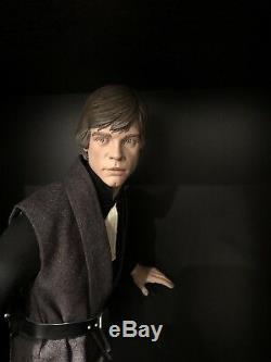 Sideshow Star Wars Luke Skywalker Jedi Knight Premium Format Figure Statue