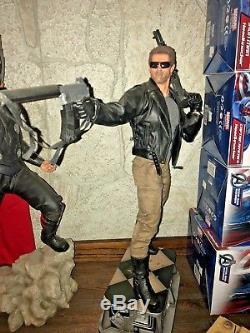 Sideshow Terminator T-800 Premium Format Arnold Schwarzenegger Statue #0118
