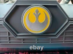 Star Wars Galaxys Edge Rey Skywalker Legacy Lightsaber Hilt Yellow 2021 NEW
