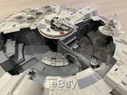 Star Wars Millenium Falcon Legacy Collection Hasbro 2008