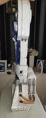Star Wars R2D2 life sized static model 11