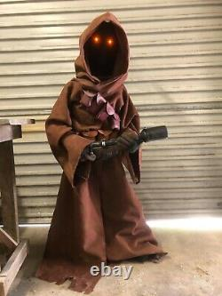 Star Wars The Mandelorian Life Size Jawa High Quality Statue Prop & Blaster